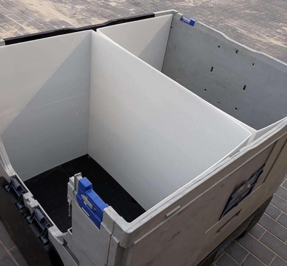 séparateurs verticaux dans une caisse-palette