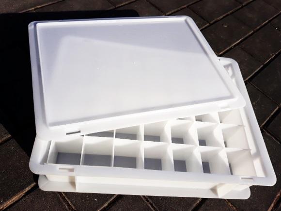 bac plastique avec des croisillons plastique
