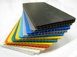 Intercalaires en plastique alvéolaire